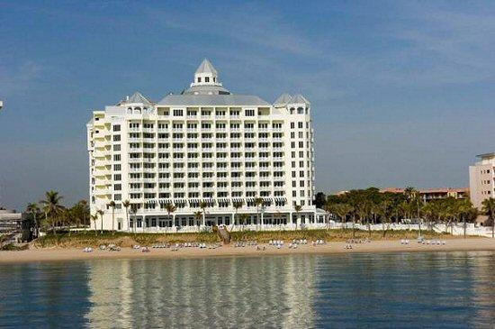 pelican grand beach resort  ft  lauderdale condo hotel on
